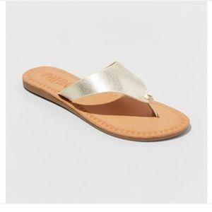 Women's Mad Love Vada Flip Flop Sandal - Gold 8